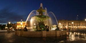 A Fontaine des Mers e a dança das águas na Place de la Concorde.